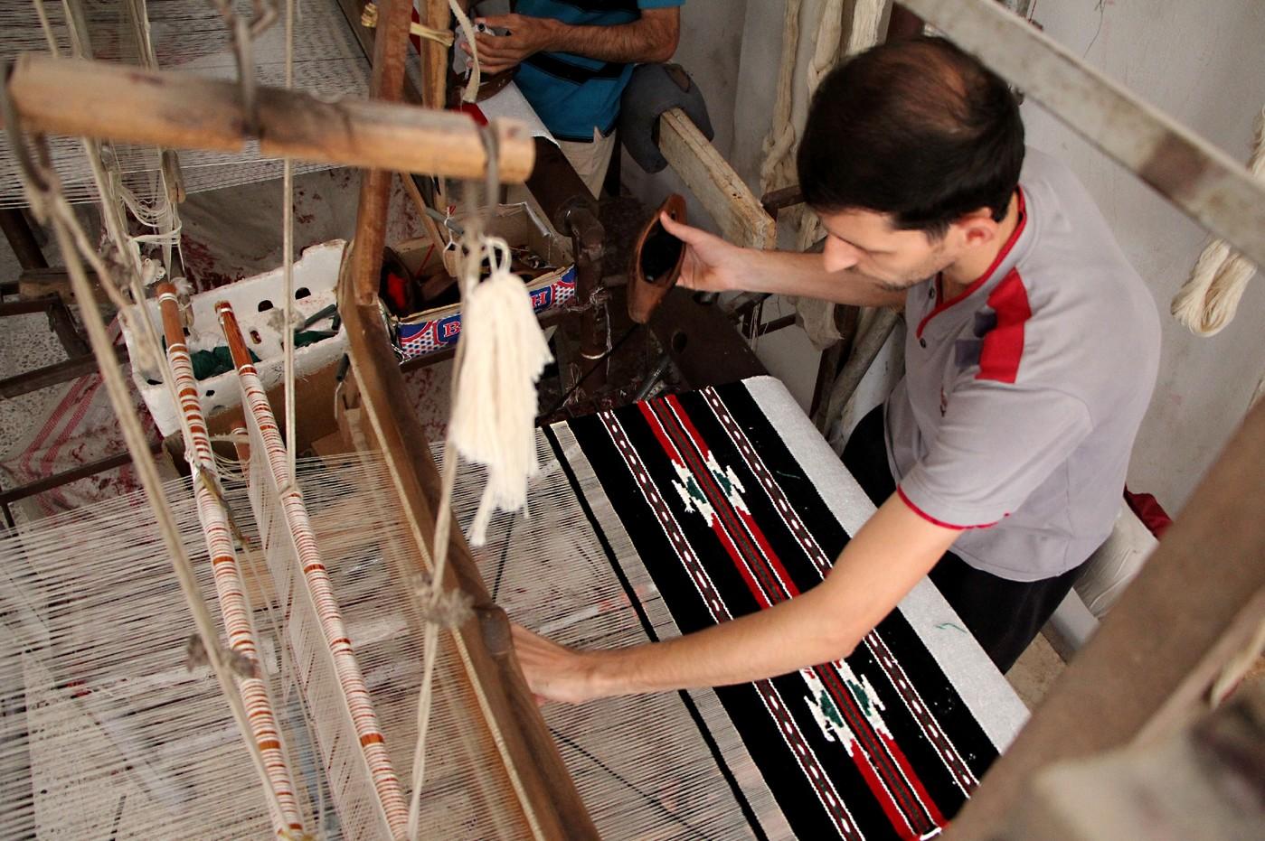 Syrie: sans laine, les artisans abandonnent leur métier à tisser