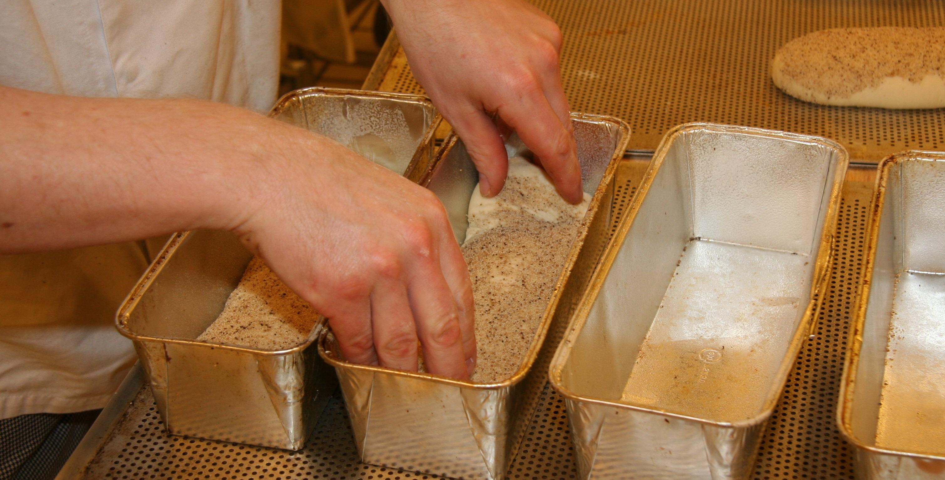 Images Gratuites : bois, jambe, aliments, artisanat, cuisson, pain ...