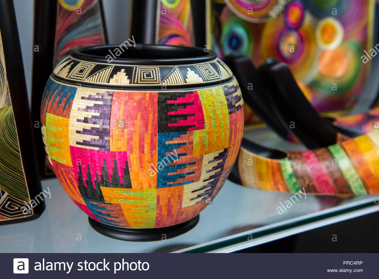 L'Amérique du Sud, Colombie, Cartagena. L'artisanat traditionnel de ...