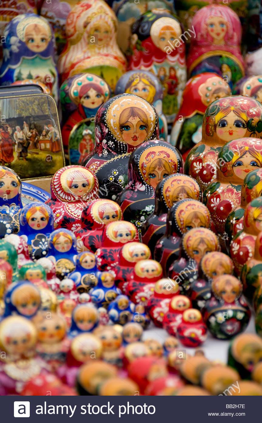 La Russie, Moscou. Artisanat russe typique, poupées ...