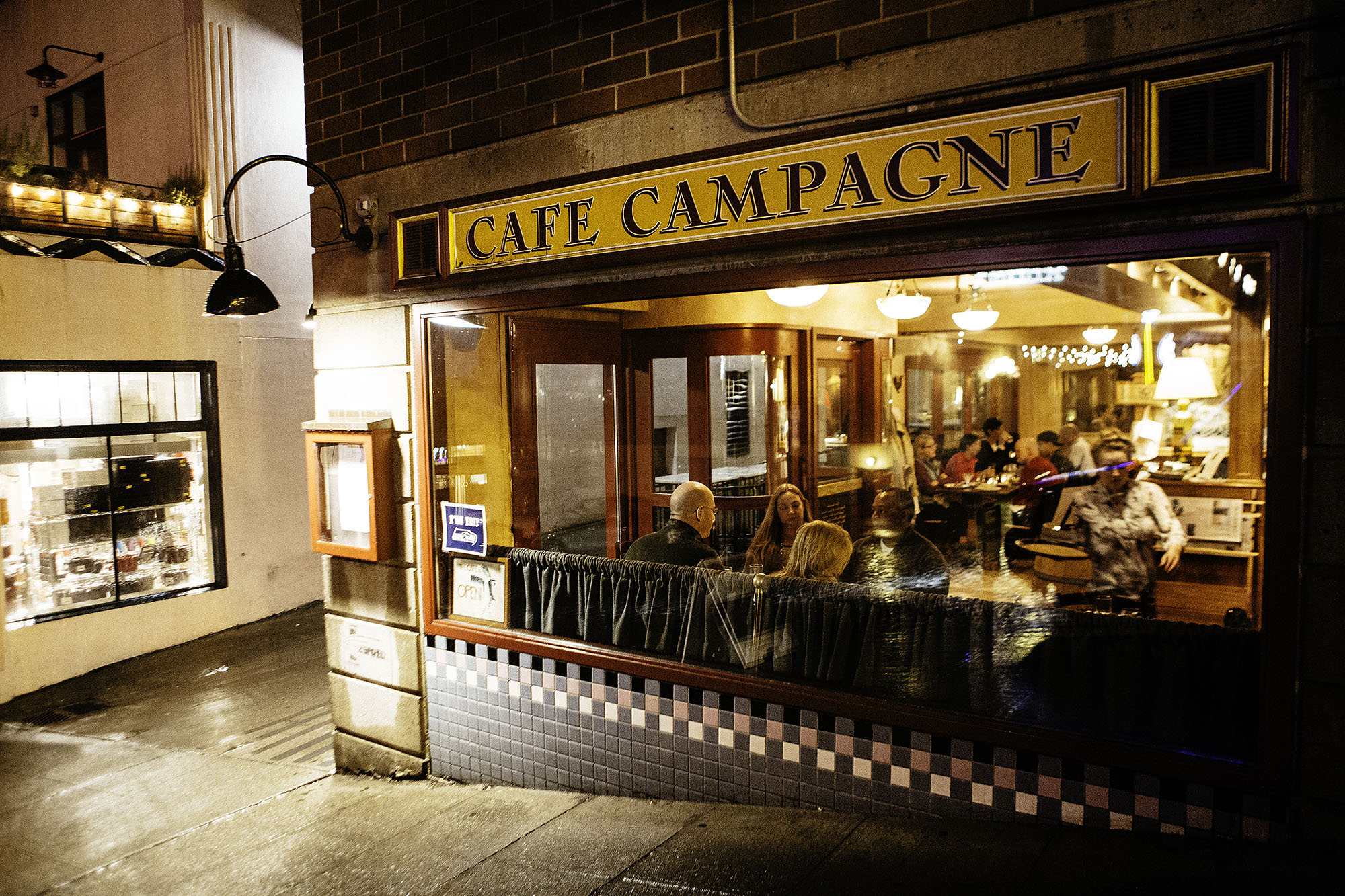 Eater Scenes: Cafe Campagne, Thursday at 7 p.m. - Eater Seattle