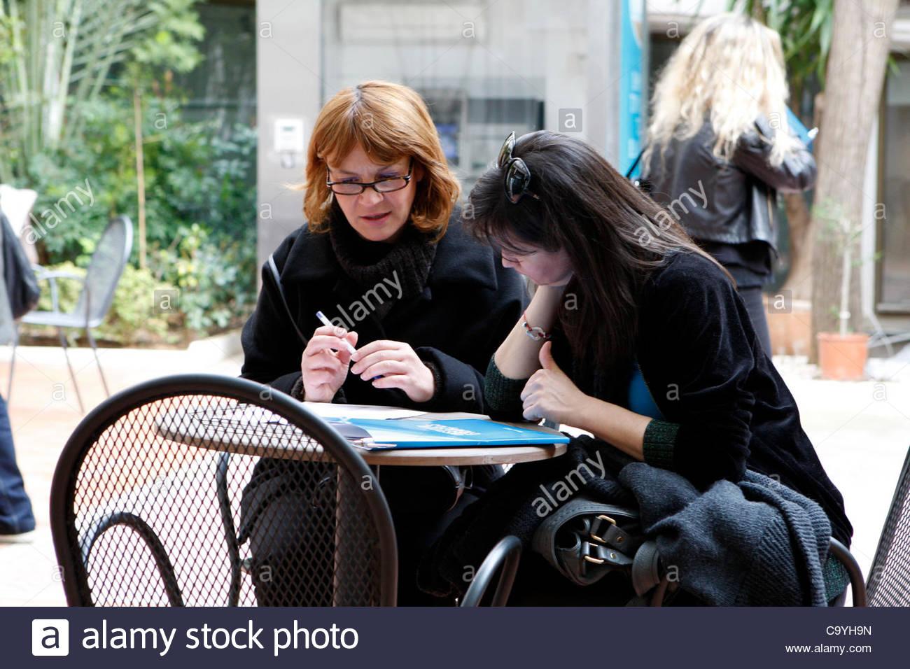 8 mars 2012 - Athènes, Grèce - les femmes qui travaillent ...