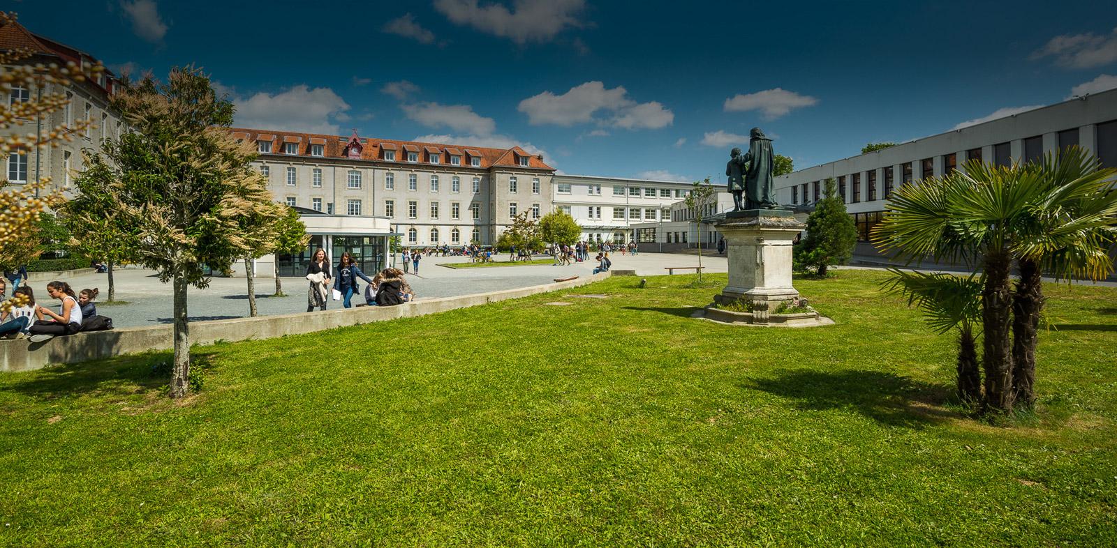 Collège, Lycée Saint Joseph du Loquidy à Nantes