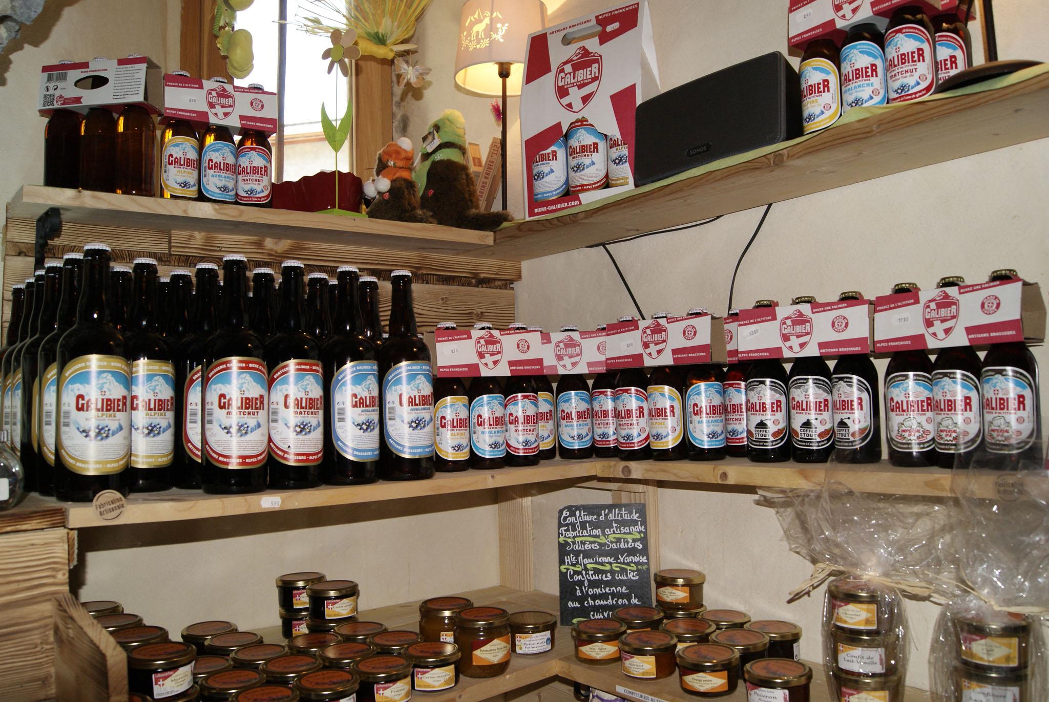 Magasin produits artisanaux à Aussois - La Cave du père ...